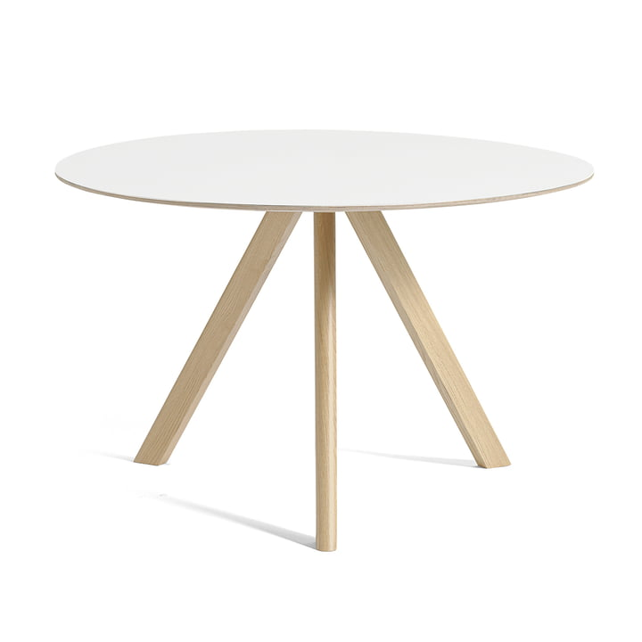 Copenhague CPH20 table Ø 120 cm from Hay in lacquered oak / white linoleum