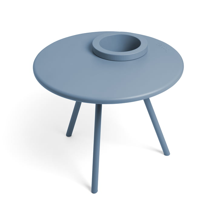 The Bakkes side table from Fatboy in calcite blue