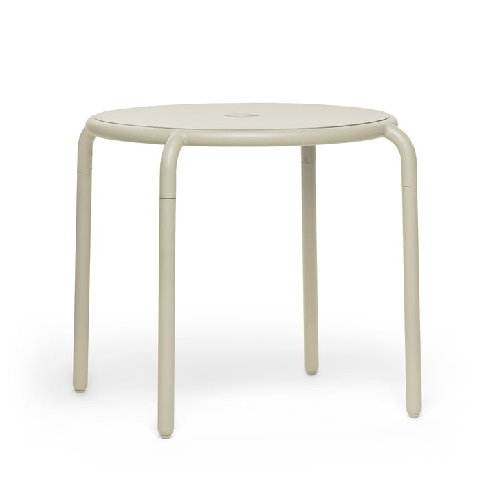 The Toní bistro table from Fatboy in the desert version.