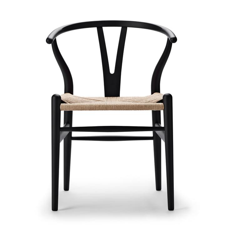 CH24 Wishbone Chair from Carl Hansen in soft black / natural braid