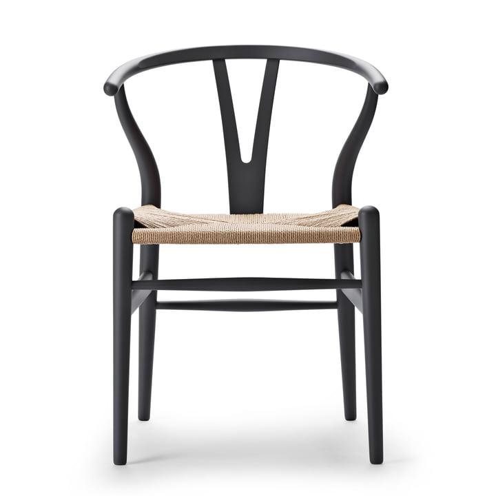 CH24 Wishbone Chair from Carl Hansen in soft grey / natural wickerwork