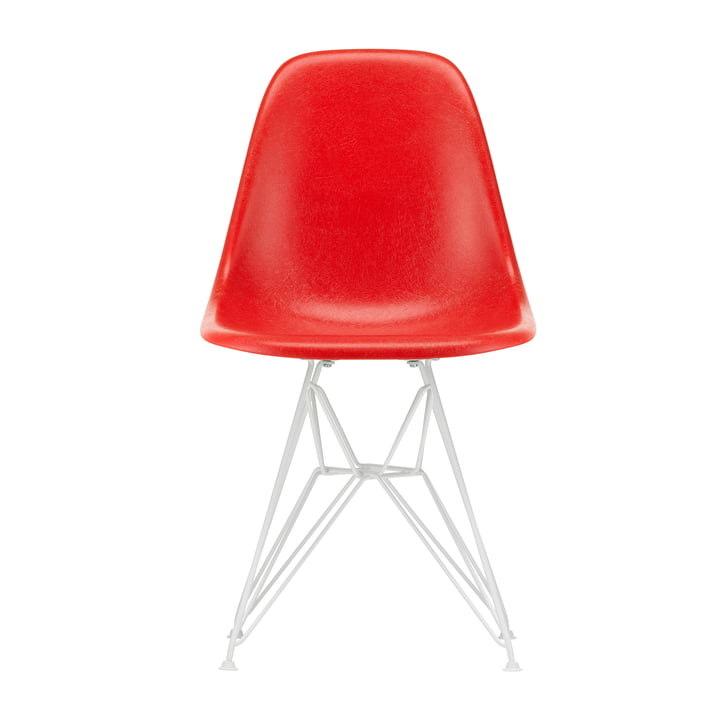 Eames Fiberglass Side Chair DSR from Vitra in white / Eames classic red (felt glides white)