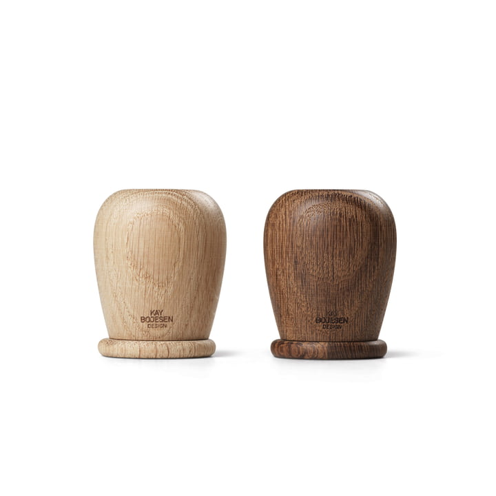 Salt and pepper shakers from Kay Bojesen in oak / oak smoked
