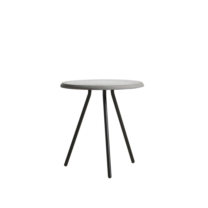 Soround Side Table H 48,3 cm / Ø 45 cm from Woud in concrete