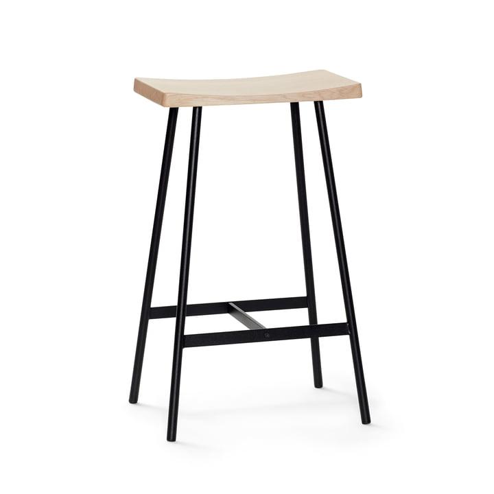 HC2 bar stool H 65 cm by Andersen Furniture in white pigmented oak / black steel