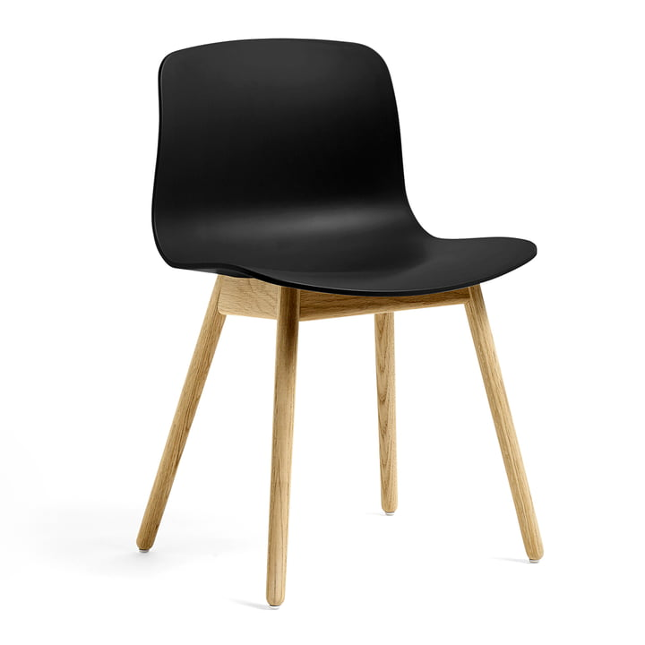 About A Chair AAC 12 ECO from Hay in oak / black