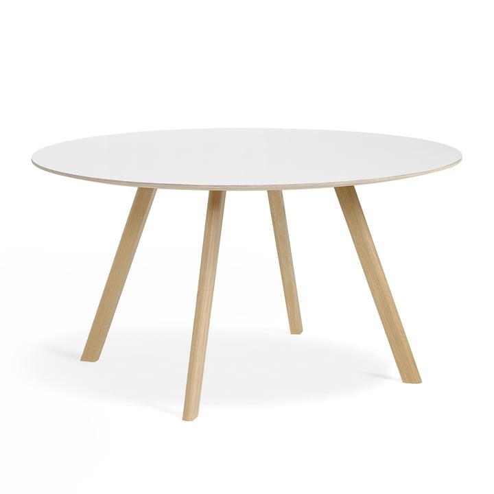 The Copenhague CPH25 table of Hay with 140 cm diameter in oak matt lacquered / linoleum white