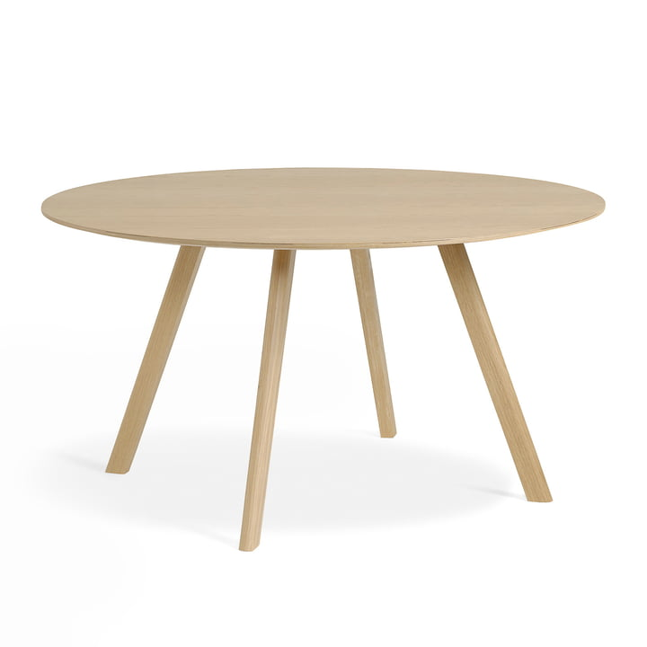 The Copenhague CPH25 table of Hay with 140 cm diameter in oak matt lacquered