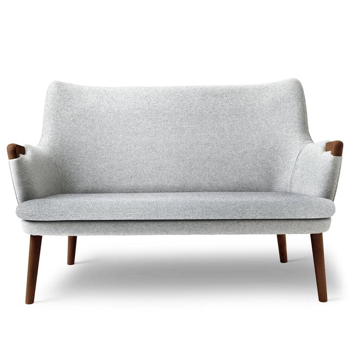 CH72 sofa by Carl Hansen in walnut oiled / gray (Hallingdal 116)