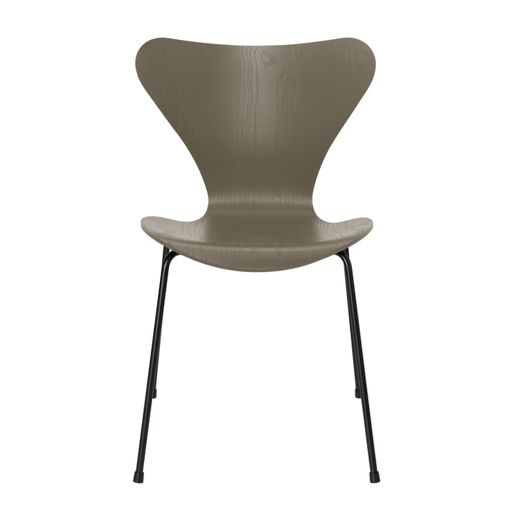 Series 7 chair from Fritz Hansen in olive green coloured ash / black frame