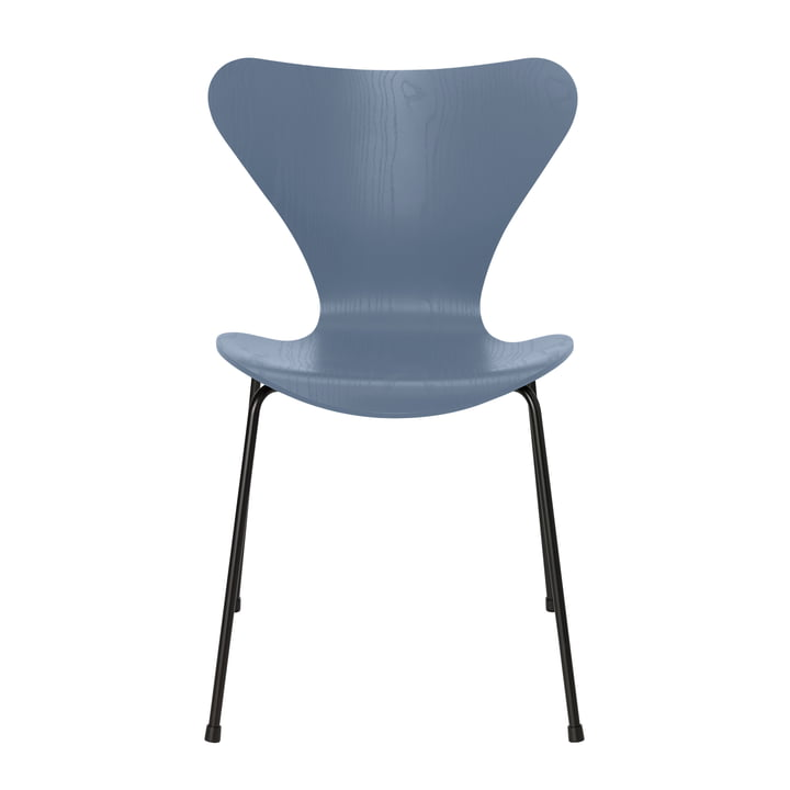 Series 7 chair by Fritz Hansen in ash dusk blue colored / frame black