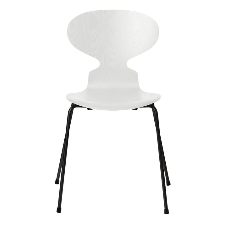 Ant chair by Fritz Hansen in white colored ash / frame black