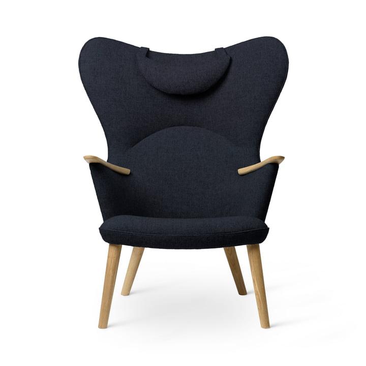 The CH78 Mama Bear Lounge Chair, oiled oak / Fiord 0782 by Carl Hansen