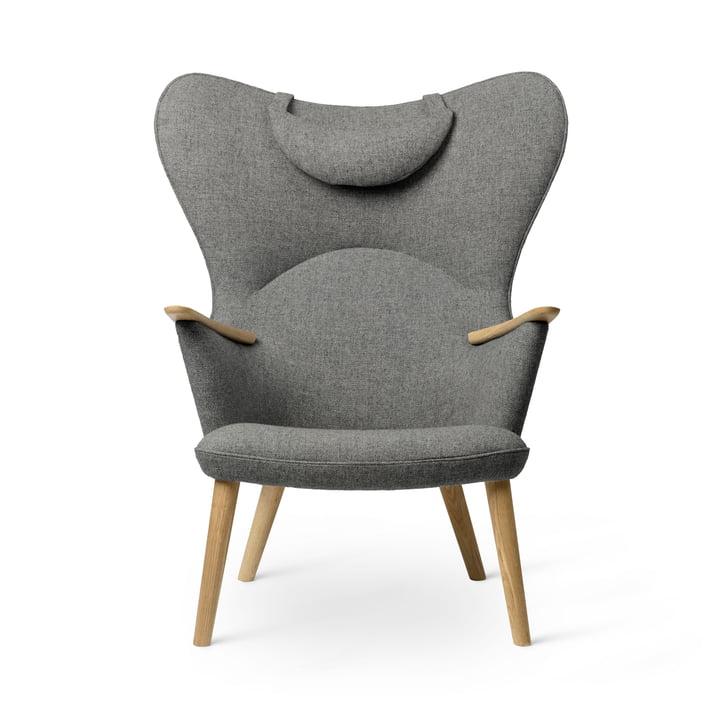 The CH78 Mama Bear Lounge Chair, oiled oak / Fiord 0151 by Carl Hansen