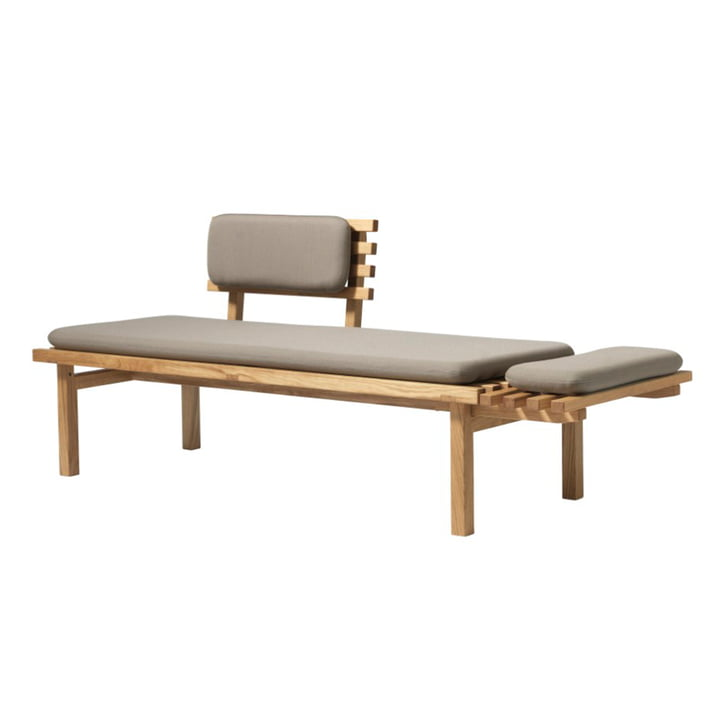 The H102 bench from FDB Møbler in natural oak / Easy