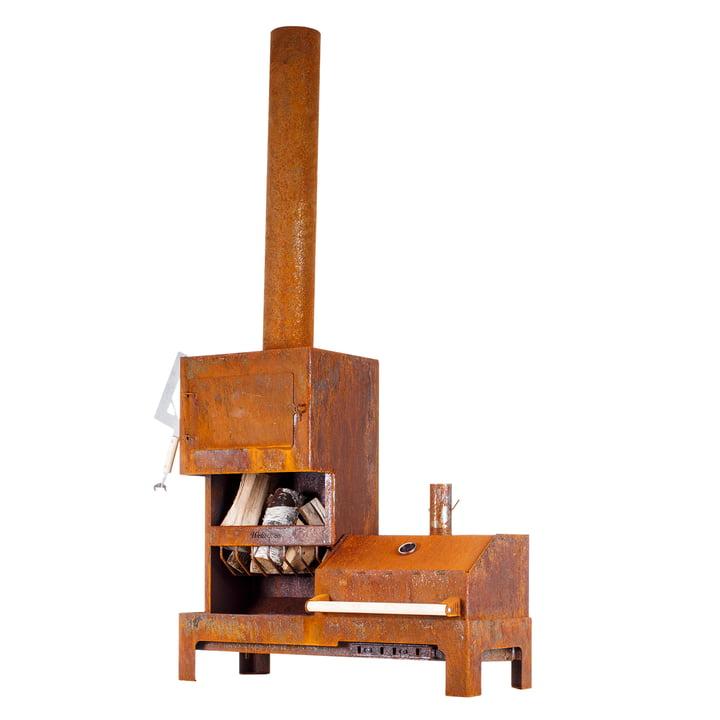 The Outdoor steel stove XL from Weltevree in rust brown