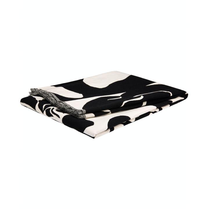 The Ruudut blanket from Marimekko with fringes