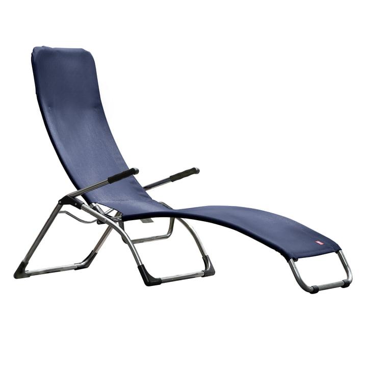 The terrace lounger Samba from Fiam , aluminium / dark blue