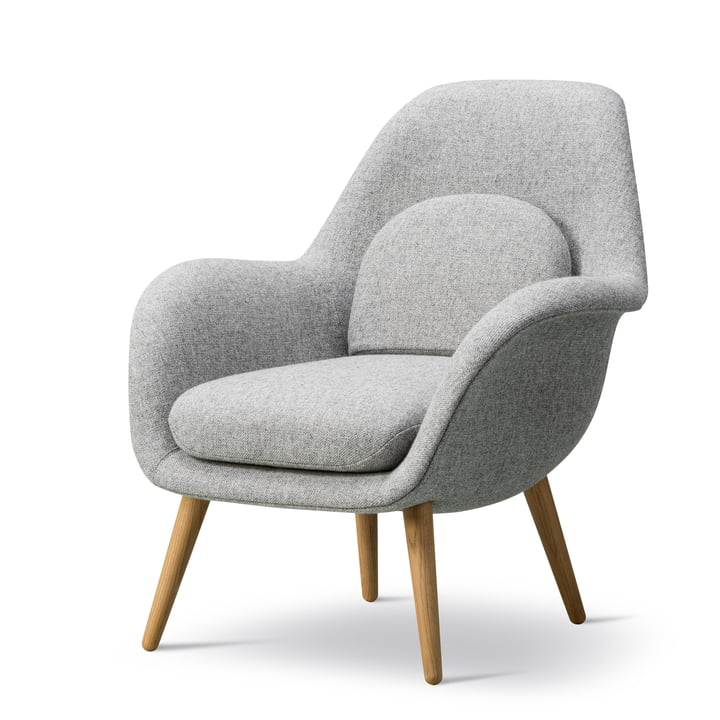 Swoon Lounge Armchair Petite by Fredericia in oiled oak / Hallingdal 65 (130)