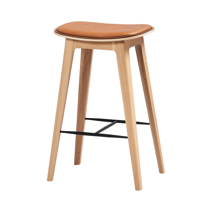 The Nordic bar stool H 73 cm from SACK it, matt lacquered oak / leather ultra brandy