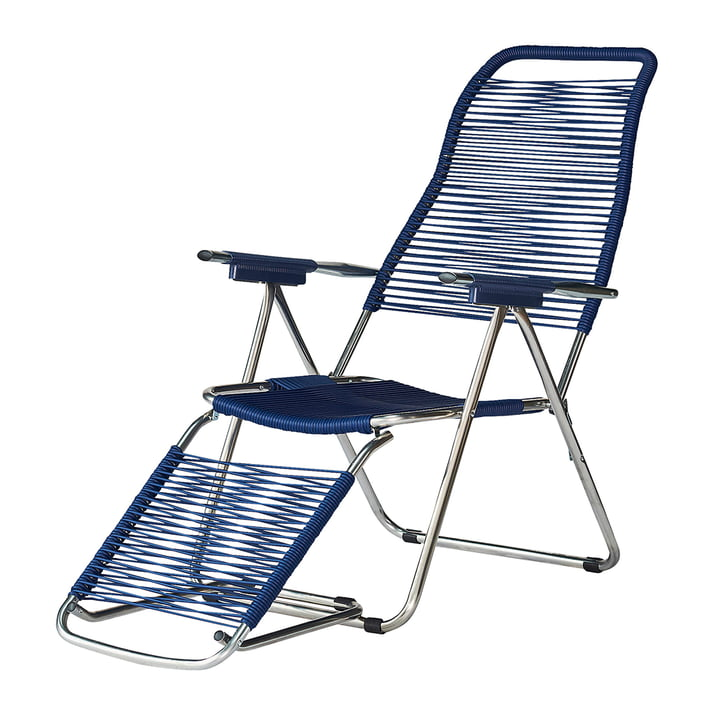The deck chair Spaghetti from Fiam , frame aluminium / covering blue