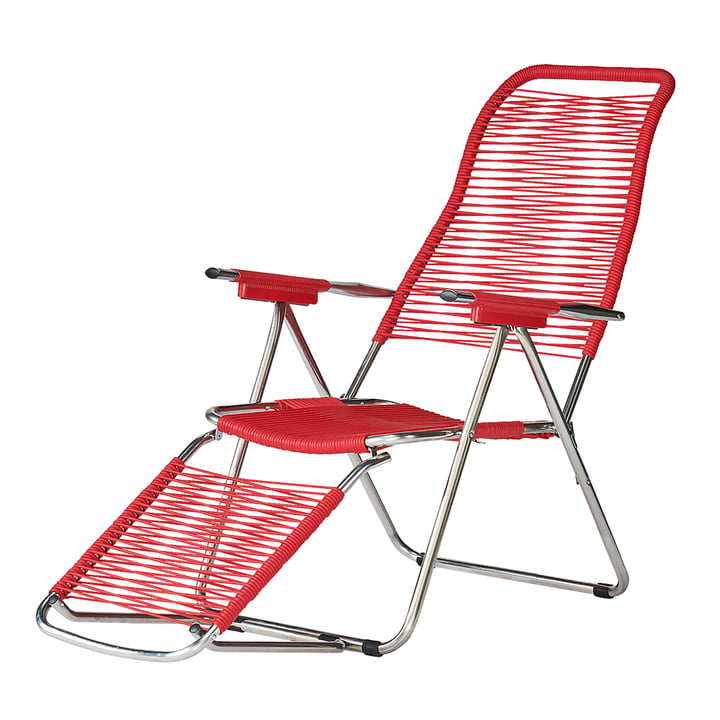 The deck chair Spaghetti from Fiam , frame aluminium / cover red