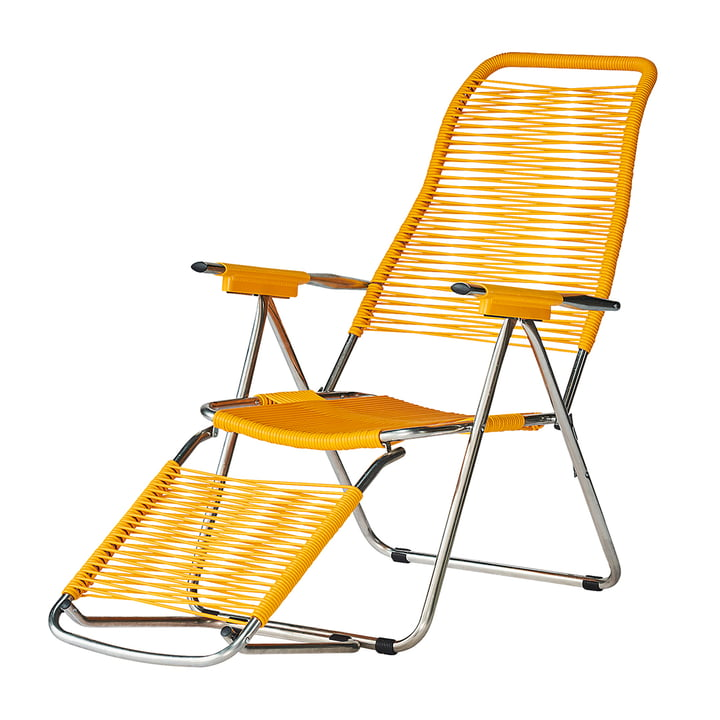 The deck chair Spaghetti from Fiam , frame aluminium / covering yellow