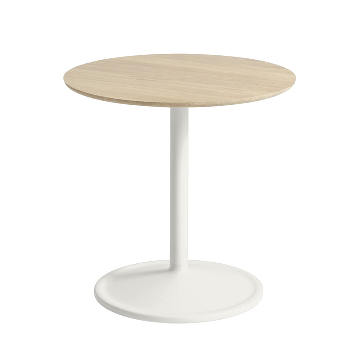 Soft Side table Ø 48 cm, H 48 cm from Muuto in oak / off-white