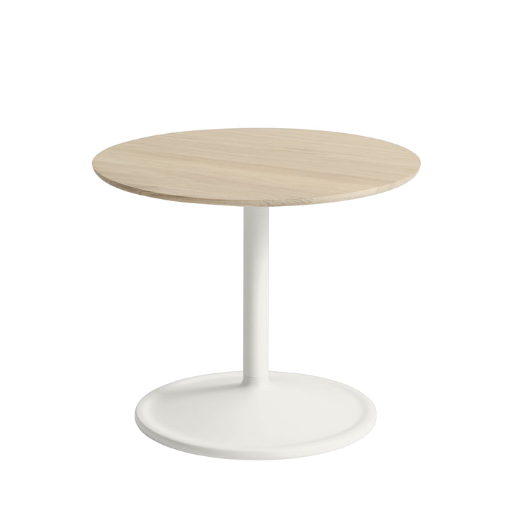 Soft Side table Ø 48 cm, H 40 cm from Muuto in oak / off-white