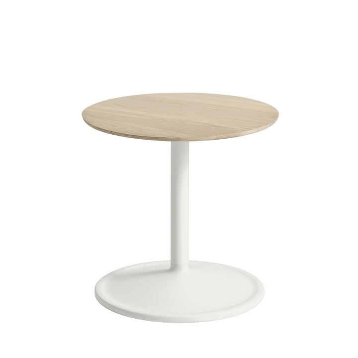 Soft side table Ø 41 cm, H 40 cm from Muuto in oak / off-white