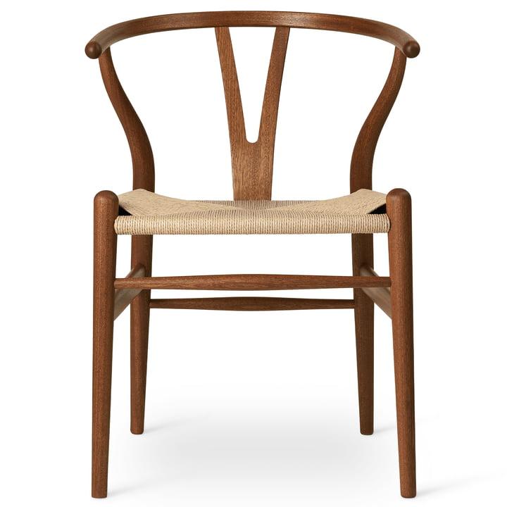 CH24 Wishbone Chair from Carl Hansen in oiled mahogany / natural wickerwork