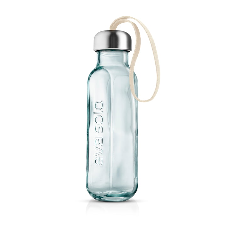 Recycled glass drinking bottle from Eva Solo in the color birch