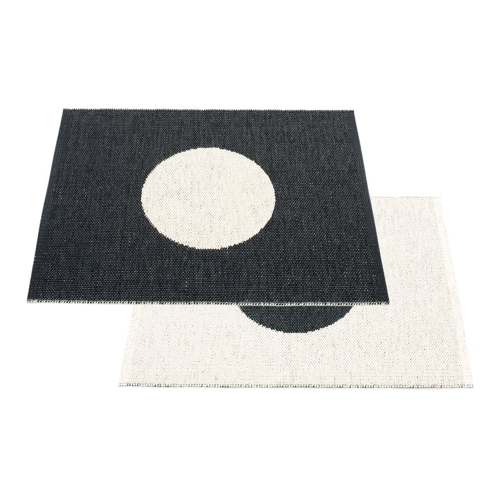 Vera Small One reversible rug, 70 x 90 cm by Pappelina in black / vanilla