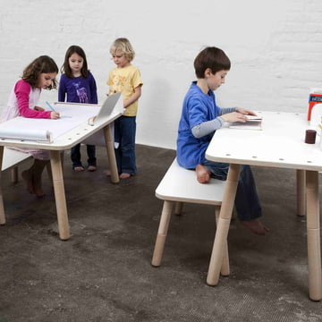 Pure Position - the Growing Table accompanies the children
