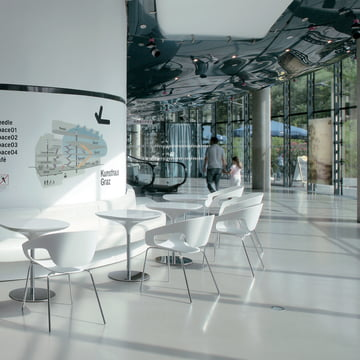 The Kunsthaus Graz with the Vad series by Casamania