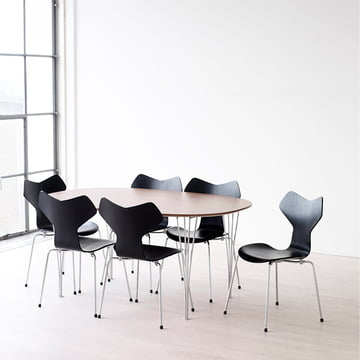 Grand-Prix-with-Group-with-Table