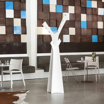 Cascando - Tree Stand Wardrobe, white - atmosphere
