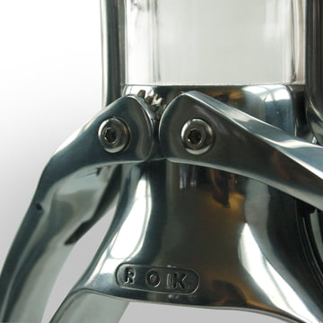 The Espresso maschine by ROK in detail