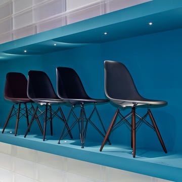 Vitra - Eames Plastic Side Chair DSW - group