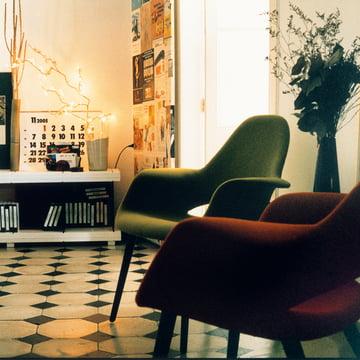 Vitra - Organic Chair, red, green / black ash wood - group