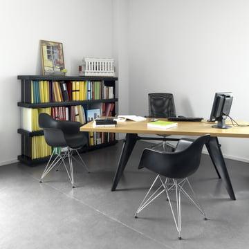 Vitra - EM Table, natural oak / black