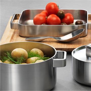 Iittala, Tools Set ambience image with tomatoes