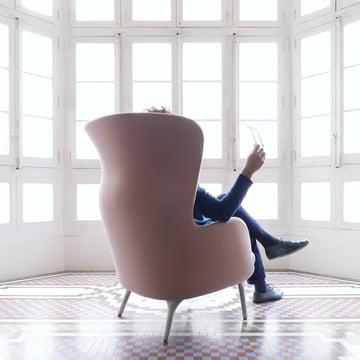 Fritz Hansen - Ro, pink - Jaime Hayon, sitting, backside