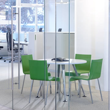 Vitra - .03 Chair, Ambience image / conference, green