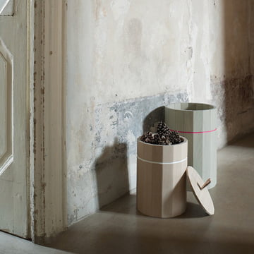 The Karimoku New Standard - Colour Bin in natural and green