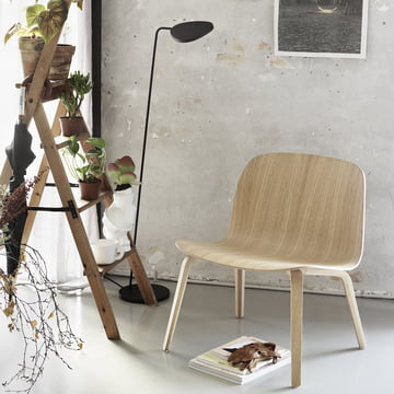 Muuto - Visu Lounge Chair / Leaf floor lamp