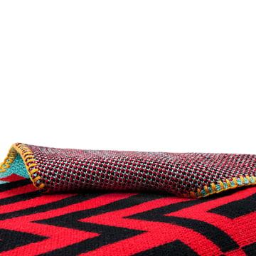 Zuzunaga - Barcelona Woollen Blanket, red / black - Details