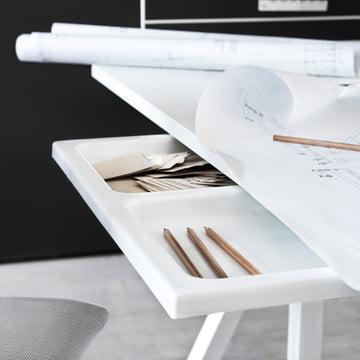 String - Works Desk
