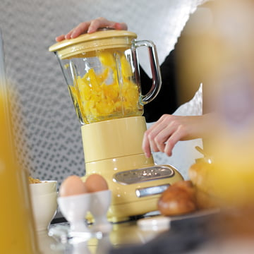 KitchenAid - Artisan blender with glass container, pastel yellow