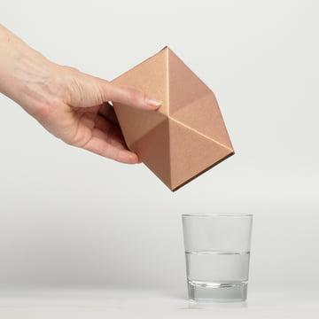 snug.vase low by Snug.studio in copper